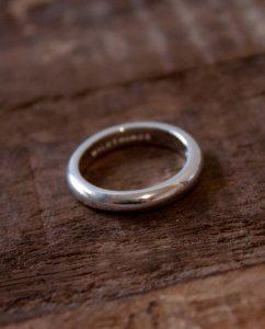ハンドメイドならではの丸いフォルムがかわいいシンプルなシルバー925のリング