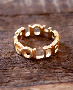 指まわりのアクセントにおすすめの18kゴールドメッキのリング