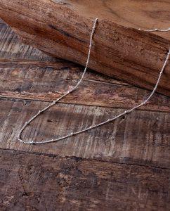 シンプルなシルバー925のスタッドチェーンネックレス