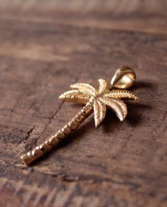 リアルなヤシの木のゴールドのペンダントトップ