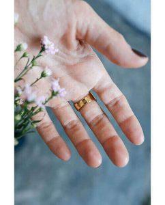 18kゴールドメッキのリングとお花