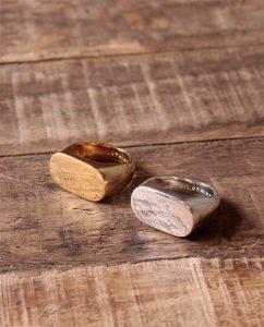 メンズライクで大ぶりなゴールドとシルバー925の指輪